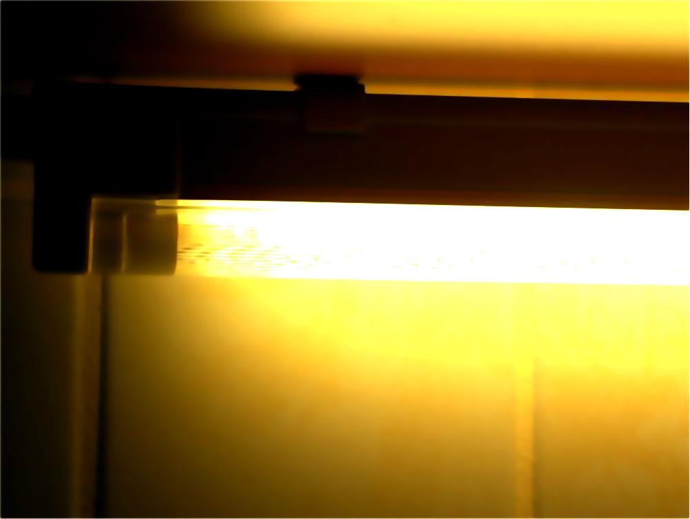 licht erzeugen von der gl hlampe zur leuchtdiode. Black Bedroom Furniture Sets. Home Design Ideas